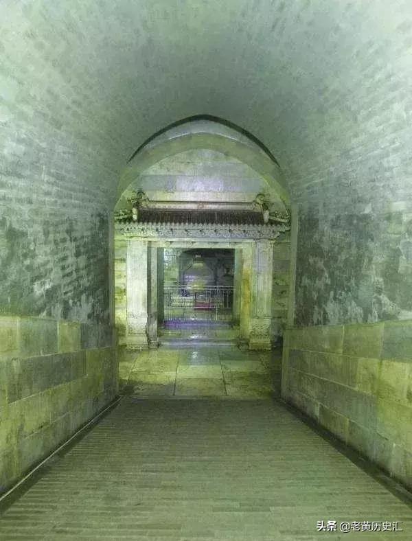 慈禧的棺椁里究竟藏了什么,孙殿英的士兵一打开后会被吓昏?