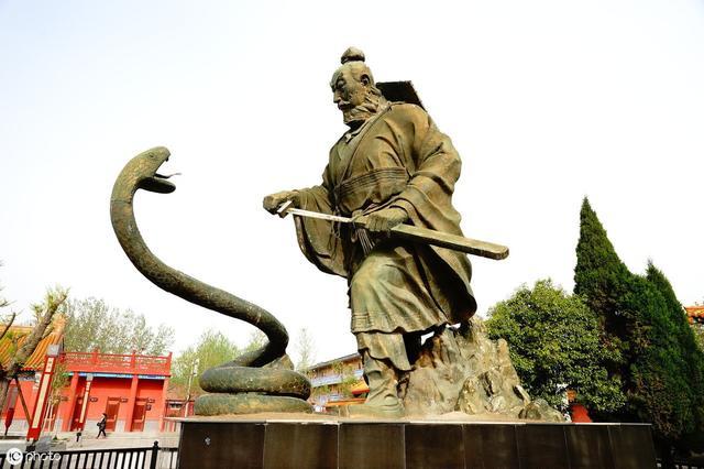 皇陵旁石榴樹冬天開花 考古大隊知道后大喜,揭開一大歷史謎團
