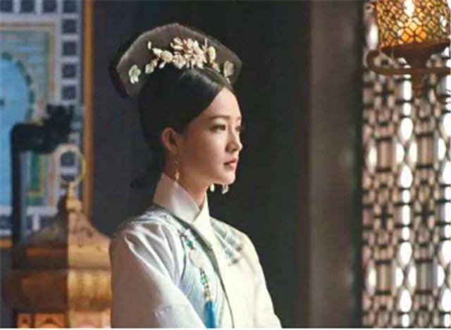 她二婚嫁給乾隆,終身未育成寵妃,病逝后,乾隆為她罷朝三日