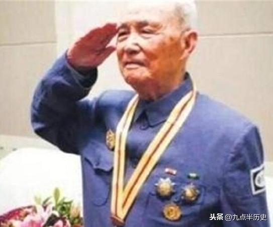 抗戰老兵102歲仍參加大閱兵!長壽秘訣很簡單,卻沒幾個人能做到