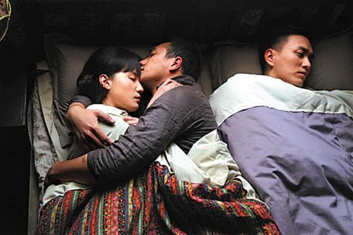 民国才女与林薇因齐名,被继母虐待,与表哥私奔,临盆遭丈夫抛弃